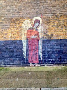 Another pinner said: Angels really are everywhere! We spotted this heavenly creature opposite our Brick Lane store. Angel Artwork, Graffiti Designs, I Believe In Angels, Tatty Devine, Street Gallery, Chalk Drawings, Angels And Demons, Street Art Graffiti, Outdoor Art