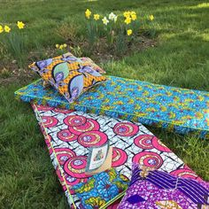 C'est le wax que je préfère African Crafts, African Art, Bohemian Party Decorations, Picnic Blanket, Outdoor Blanket, Afro, African Interior, African Design, Ankara