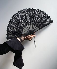 Lace fan by Belle Modeste create with matching parasol Antique Fans, Vintage Fans, Hand Held Fan, Hand Fans, Yennefer Of Vengerberg, Chinese Fans, Xxxholic, Beautiful Hands, Fashion Accessories