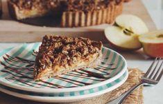 millionaire Caramel Apple Crumble, Cinnamon Crumble, Caramel Apples, Vegan Crumble, Tart Recipes, Vegan Recipes Easy, Dessert Recipes, Raw Desserts, Sprinkles