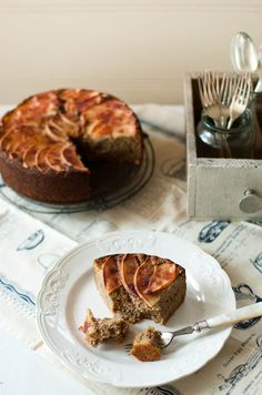 Scandi Home: Quince, Pear and Apple Cake