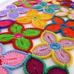 Colorful Crochet Hawaiian Flowers - Tutorial