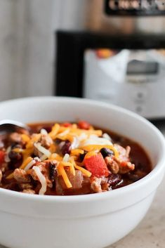 Winter Cravings: Chili - Sarah Lagen Crockpot Dessert Recipes, Dog Recipes, Healthy Crockpot Recipes, Chili Recipes, Slow Cooker Recipes, Steak Recipes, Recipies, Shawarma, Tortellini