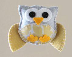 Absolute cuteness!  MAKE   How-To: Mini Felt Owl