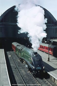 Bournemouth, Nottingham, Southampton, Carlisle, Somerset, Grey Wallpaper Iphone, Old Steam Train, Flying Scotsman, Steam Railway