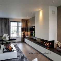 Luxury Homes Interior Design & Inspiration Living Room Decor Fireplace, Home Fireplace, Modern Fireplace, Living Room Tv, Fireplace Design, Living Room Modern, Home And Living, Living Room Designs, Luxury Homes Interior