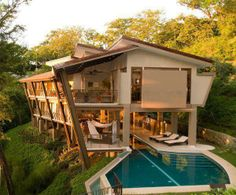 Courtyard Home - Costa Rica. Via: fascinating places