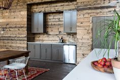 Appleseed Workshop Builds a Stylish Lakeside Retreat | Rue