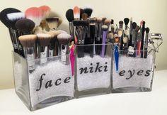 Je pense que vous ne connaissez pas encore la plupart des idées rangement makeup contenues dans cet article. Vous risquez d'adorer ces astuces rangement maquil