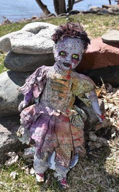 Creepy Horror Art Zombie Doll Walking Dead Scary Goth | Etsy Zombie Dolls, Scary Dolls, Creepy Horror, Horror Art, Halloween Ideas, Halloween Party, Zombie Crafts, Doll Display, Mini Paintings