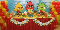 Create a life-sized  Angry Birds Party with our flying birds! Our Angry Birds collection includes:1. 4 large birds2. 1 large pig3. sling shot4. tnt explosion bo