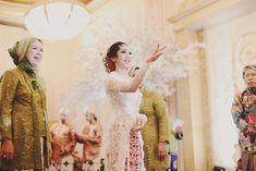 Elegant Traditional Wedding: Javanese and Minang
