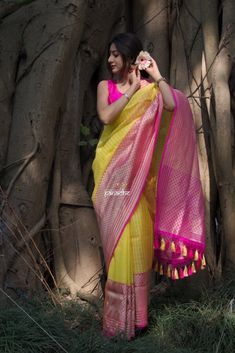 Kora Silk Banarasi - Yellow Pink Kadwa woven – Panache-The Desi Creations Cotton Saree Designs, Saree Kuchu Designs, Sari Blouse Designs, Mehndi Designs, Kora Silk Sarees, Indian Silk Sarees, Indian Beauty Saree, Banarasi Sarees, Yellow Saree Silk