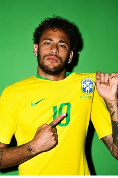 World Cup Neymar Jr (Paris St-Germain) [Brazil] forward Best Football Players, Soccer Players, Neymar Soccer Player, Neymar Football, Alex Sandro, Neymar Jr Wallpapers, Sports Wallpapers, Neymar Brazil, Squad Photos
