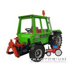 Hausser Elastolin 4480 Deutz Fahr Intrac 2003 Traktor 1/32