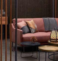 WARME HARMONIEN: Plüschig und naturbelassen. Ein Hoch auf die gediegene Behaglichkeit Sofa, Couch, Trends, Love Seat, Furniture, Home Decor, Textiles, Settee, Settee