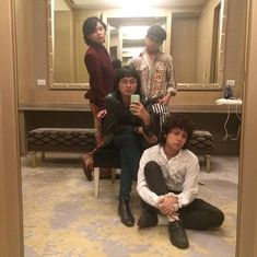 """iv of spades on Twitter: """"Mizyu  Mizyutu  ♠️… """" Local Bands, Wallpapers, Group, Twitter, Unique, People, Lab Coats, Wallpaper, People Illustration"""