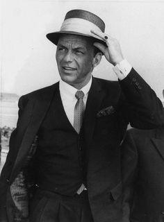 Frank Sinatra, 1957. ☚