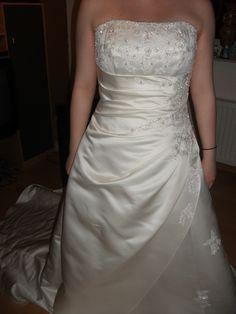 ♥ Neues, ungebrauchtes Brautkleid ♥  Ansehen: http://www.brautboerse.de/brautkleid-verkaufen/neues-ungebrauchtes-brautkleid/   #Brautkleider #Hochzeit #Wedding