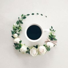 La Fee De Fleur - Japanese girl called Sawa, who is known by the name of La Fee De Fleur on Instagram, proves it by combining her passions – flowers, coffee, and photography - into one beautifully made visual diary.