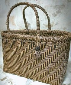 Basket, Paper Crafts, Bags, Plastic Mesh, Crafts, Purses, Paper Craft Work, Totes, Lv Bags