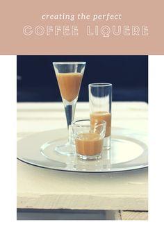 Der selbstgemachte Baileys schmeckt ganz wunderbar cremig und lässt sich nach Belieben auch noch mit Sirup für Kaffee-Spezialitäten noch verfeinern zum Beispiel mit einer feinen Karamell-Note.