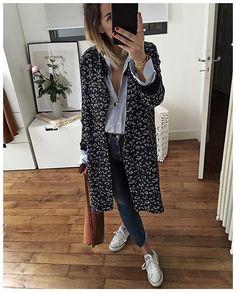 WEBSTA @ audreylombard - En entier! Je vous Souhaite une bonne soirée! Ici ça sera gros sweat et caleçon léopard • Spring Coat #toupy (from @toupyclothing, en braderie à partir de demain)• Blue Shirt #oxenceparis (from @oxenceparis)• Jean #agjeans (old)• Sneakers #converse (old)• Bag #chloe (on @mytheresa)...