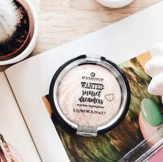 essence - WANTED: sunset dreamers marble highlighter www.at Baking Ingredients, Cookie Dough, The Dreamers, Marble, Sunset, Makeup, Hair, Beauty, Advertising