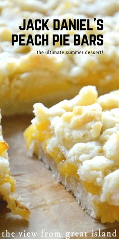 Jack Daniel's Peach Pie Bars ~ as if you needed another excuse to love summer, these buttery peach shortbread crumble bars laced with whiskey will seal the deal! Summer Desserts, Just Desserts, Delicious Desserts, Yummy Food, Peach Pie Bars, Peach Crumble Bars, Crumble Topping, Shortbread, Peach Cake
