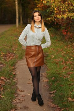 Asymmetrical front zip brown leather miniskirt outfit