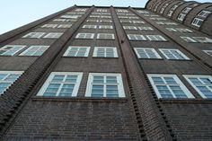 Na, erkannt? Das Capitol Hochhaus in Hannover Linden Schwarzer Bär. Früher mal Kino, heute Veranstaltungszentrum und Bürohaus.  #Capitol #Hannover #Linden - aufgenommen vom Immobilienmakler in Hannover: arthax-immobilien.de