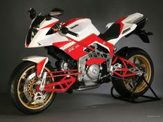 Bimota Tesi. The bike that fascinated me as a boy. Just look at it. This was in the 80's!