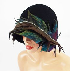 Felted Hat Peacock Hat Cloche hat 20s Hat Flapper Hat Designer Hat Black Hat Art Hat Art deco hat Retro hats Nuno felt la belle epoque