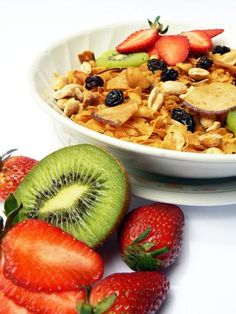 granola and fruit - Andres Virviescas
