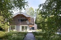 Дом у озера в Германии