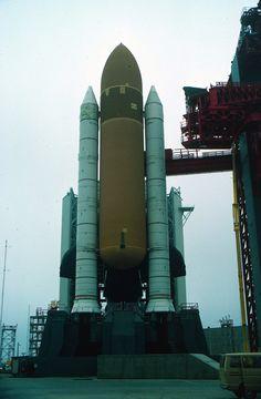 1000+ ideas about Space Shuttle Enterprise on Pinterest ...