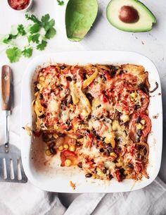 Texmex-tortillavuoka pitää sisällään papu-kasvistäytettä.