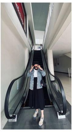 Modest Fashion Hijab, Modern Hijab Fashion, Street Hijab Fashion, Casual Hijab Outfit, Hijab Fashion Inspiration, Muslim Fashion, Denim Fashion, Casual Outfits, Mode Hijab