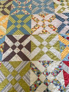 Anita's Arrowhead Quilt for Hands 2 Help 2019 - Days Filled With Joy Tumbling Blocks Quilt, Quilt Blocks, Scrappy Quilts, Easy Quilts, Quilting Projects, Quilting Designs, Scrap Quilt Patterns, Nine Patch Quilt, Man Quilt