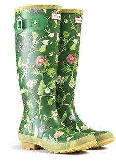 Best equipment for spring gardening - Telegraph Hunter Boots Store, Womens Hunter Boots, Wellies Rain Boots, Hunter Rain Boots, Sock Shoes, Shoe Boots, Shoes Heels, Garden Boots, Funky Shoes
