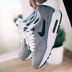 Tendance Chausseurs Femme 2017 #girlsonmyfeet #gomf (@girlsonmyfeet) Instagram photos and videos Tendance Chausseurs Femme 2017 Description Nike Air Max