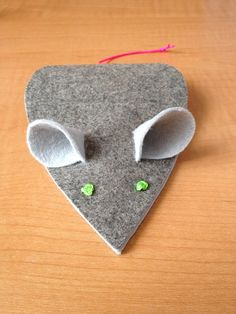 mice: needle case and pincushion | what i do