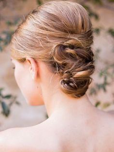 Wedding hairstyle idea; Featured Photographer: Sally Pinera