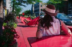 A popular boulevard in Montreal has been recently upgraded with a giant terrasse, stretching for several blocks, and featuring a variety lounge furniture all decked in red. La Grande Terrasse Rouge also hosts activities like movie nights and BINGO.#LQC #Placemaking #StreetsAsPlaces