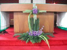 Creative Flower Arrangements, Tropical Flower Arrangements, Flower Arrangement Designs, Church Flower Arrangements, Altar Flowers, Church Flowers, Diy Flowers, Tropical Flowers, Church Altar Decorations
