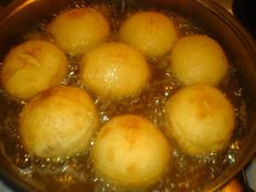 Gogosi prajire Pudding, Desserts, Food, Tailgate Desserts, Deserts, Essen, Puddings, Dessert, Yemek