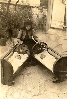 Vintage Pictures, Old Pictures, Old Photos, Greece People, Greece History, Greece Pictures, Greece Photography, Crete Island, Greek Culture