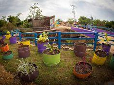Espacios de Paz (Spaces for Peace) | Pico Estudio | Photo & Video: Beto 369, Catia TV, & FIJÚ Fuerza Integradora de la Juventud | Archinect