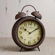 pics of antique alarm clocks Clock Vintage, Vintage Alarm Clocks, Old Clocks, Antique Clocks, Best Alarm, Classic Clocks, Grandfather Clock, Desk Clock, Ideas