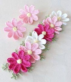 Watch The Video Splendid Crochet a Puff Flower Ideas. Wonderful Crochet a Puff Flower Ideas. Crochet Brooch, Crochet Motif, Diy Crochet, Crochet Crafts, Crochet Hooks, Crochet Projects, Crochet Puff Flower, Crochet Flower Patterns, Flower Applique